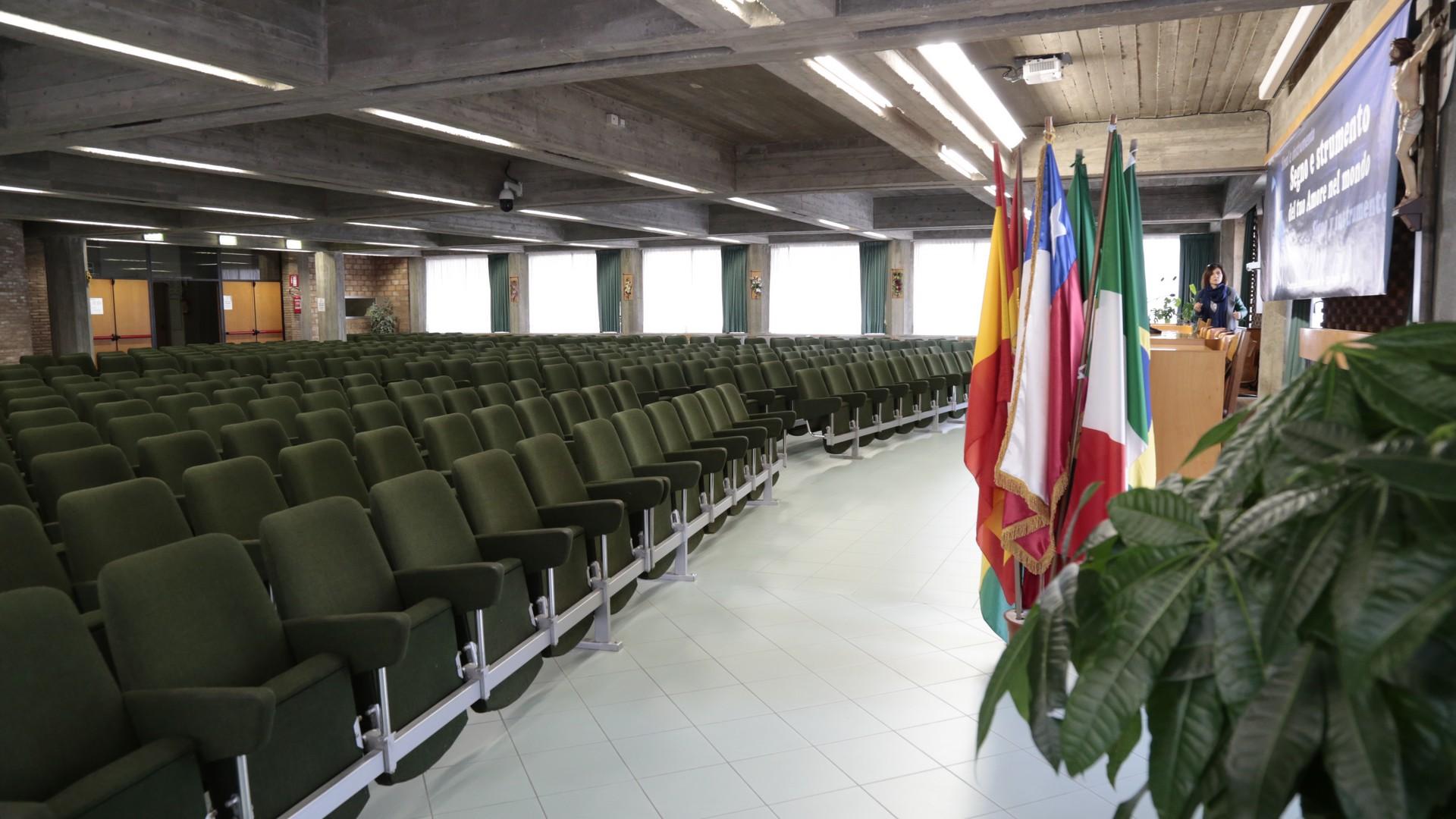 Salone Giovanni Paolo II