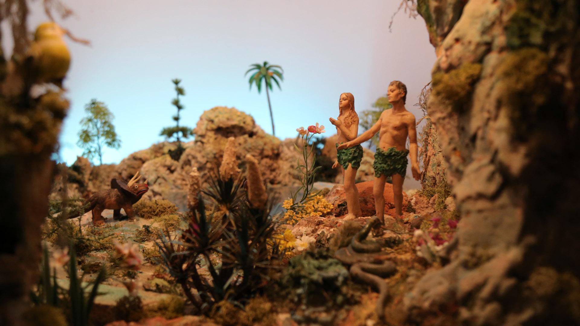 Presepe Poliscenico di Collevalenza: 01. Adamo ed Eva nel paradiso terrestre